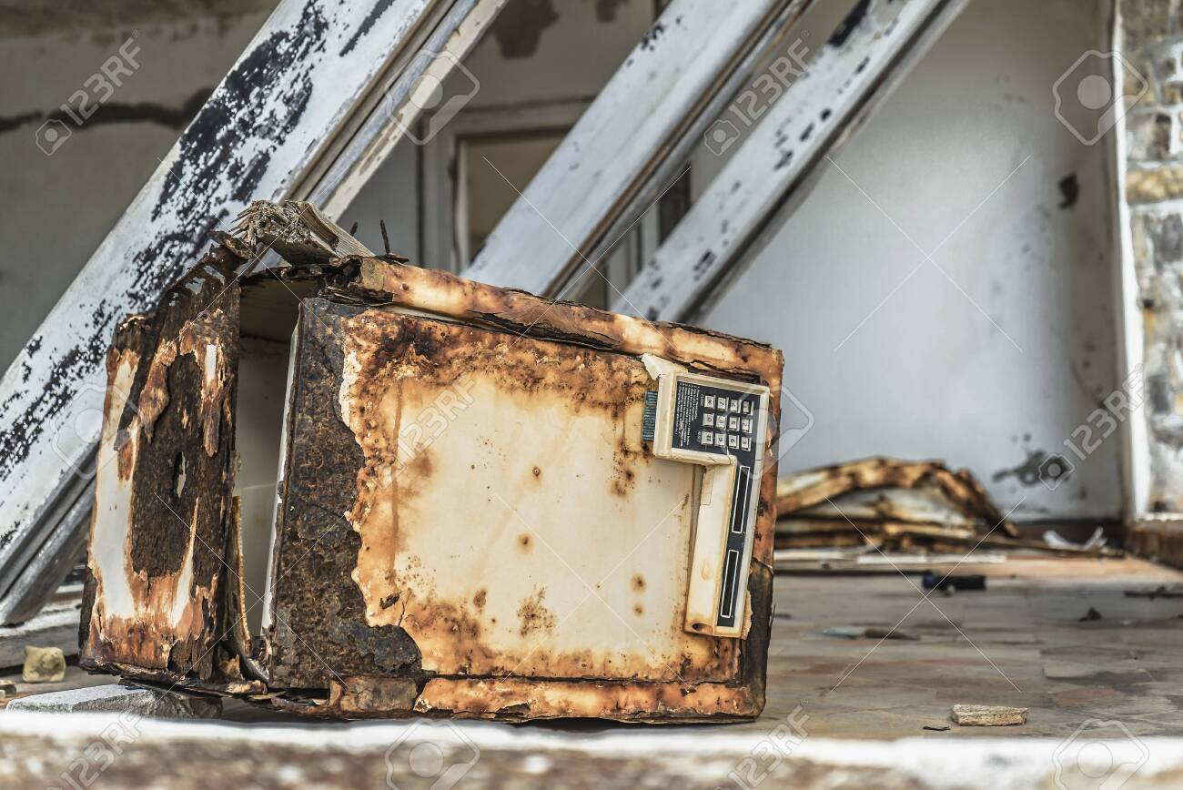 Rusty safe due to hurricane and natural damages - 152080647