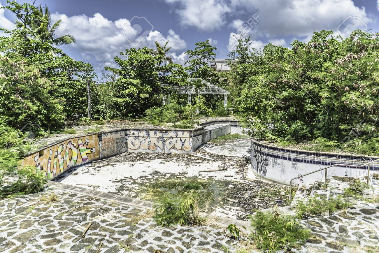 Hurricane causes damages to La belle creole building in the caribbean island of st.martin. - 152054314
