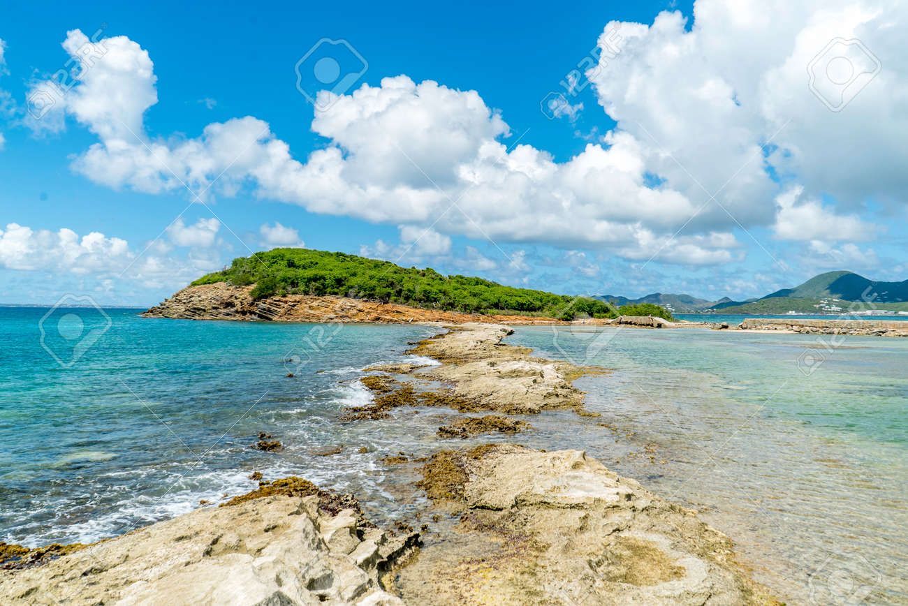 Scenic view of la belle creole on the Caribbean island of st.maarten/st.martin - 152080659