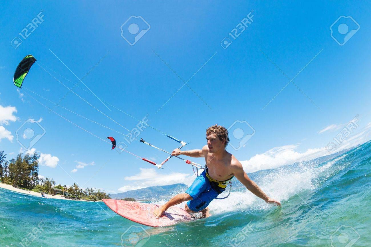 Kite Surfing, Fun in the Ocean, Extreme Sport - 20660377