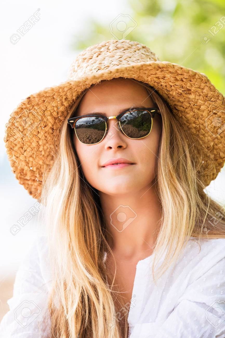 Fashion Lifestyle Attractive Woman In Sun Hat And Sunglasses