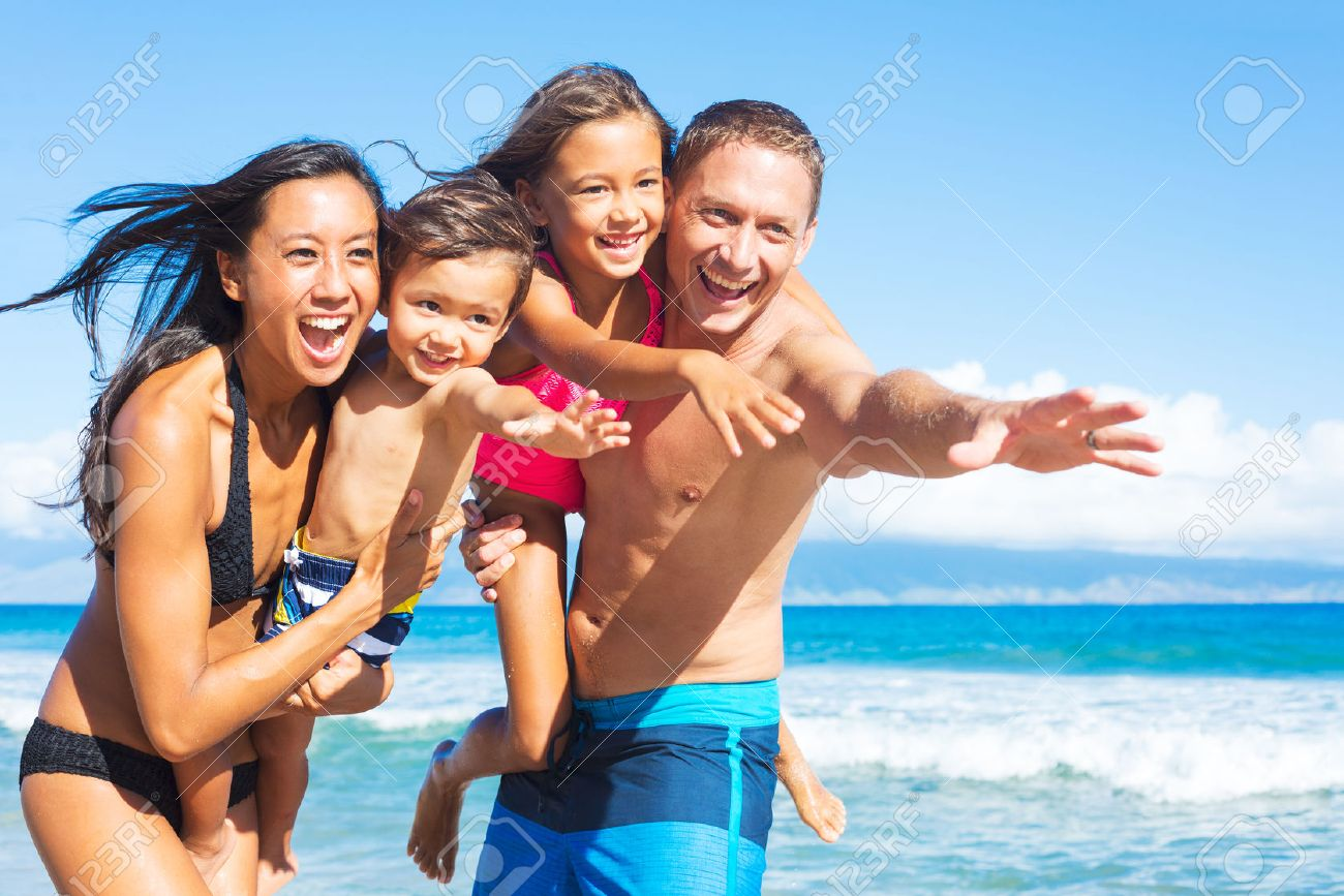 Beach Family Photos Beach Family Images Stock Pictures Royalty Free Beach Family