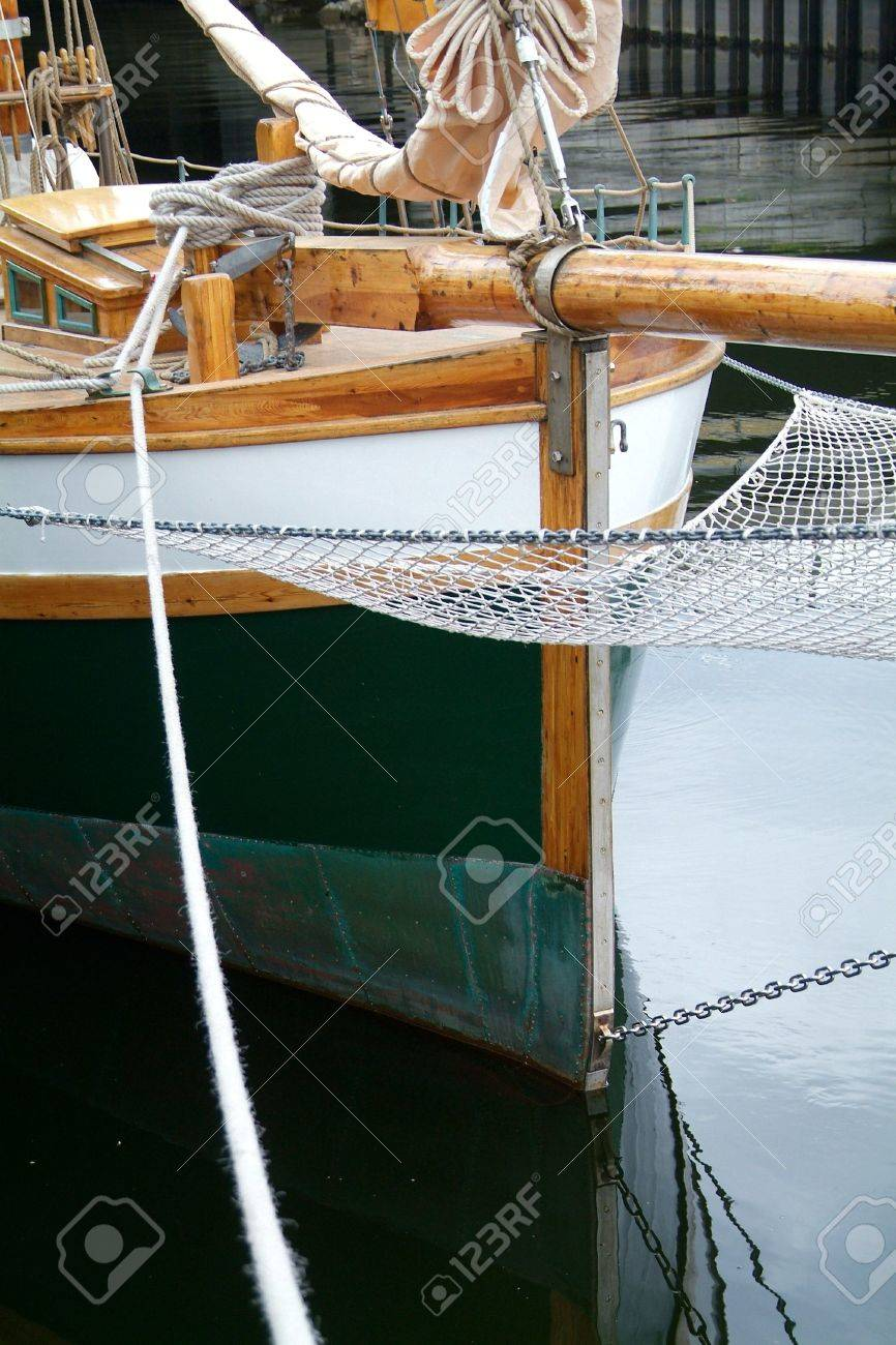 Bow of old, wooden sailing ship Stock Photo - 496783