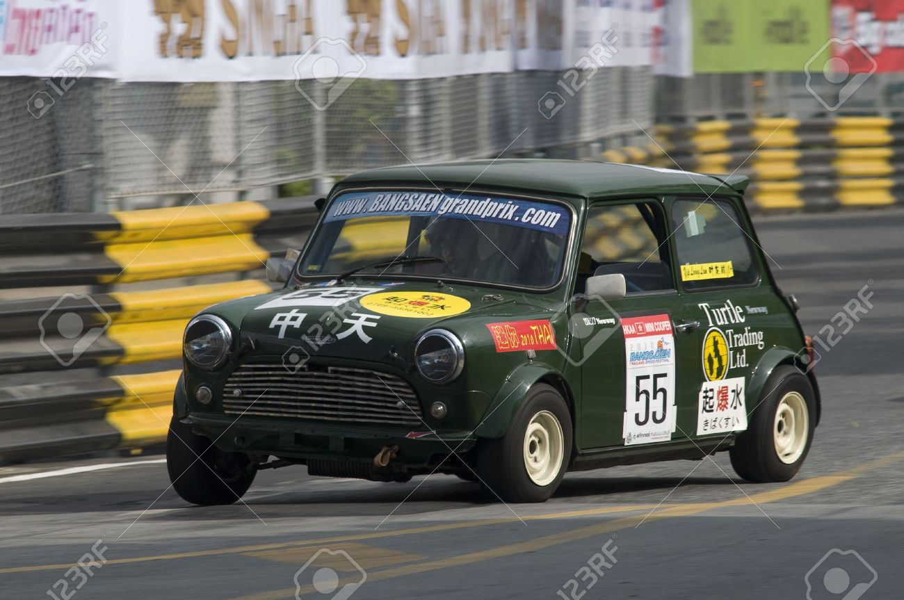 BANG SAEN - NOVEMBER 13: Classic British Racing Green Austin.. Stock ...