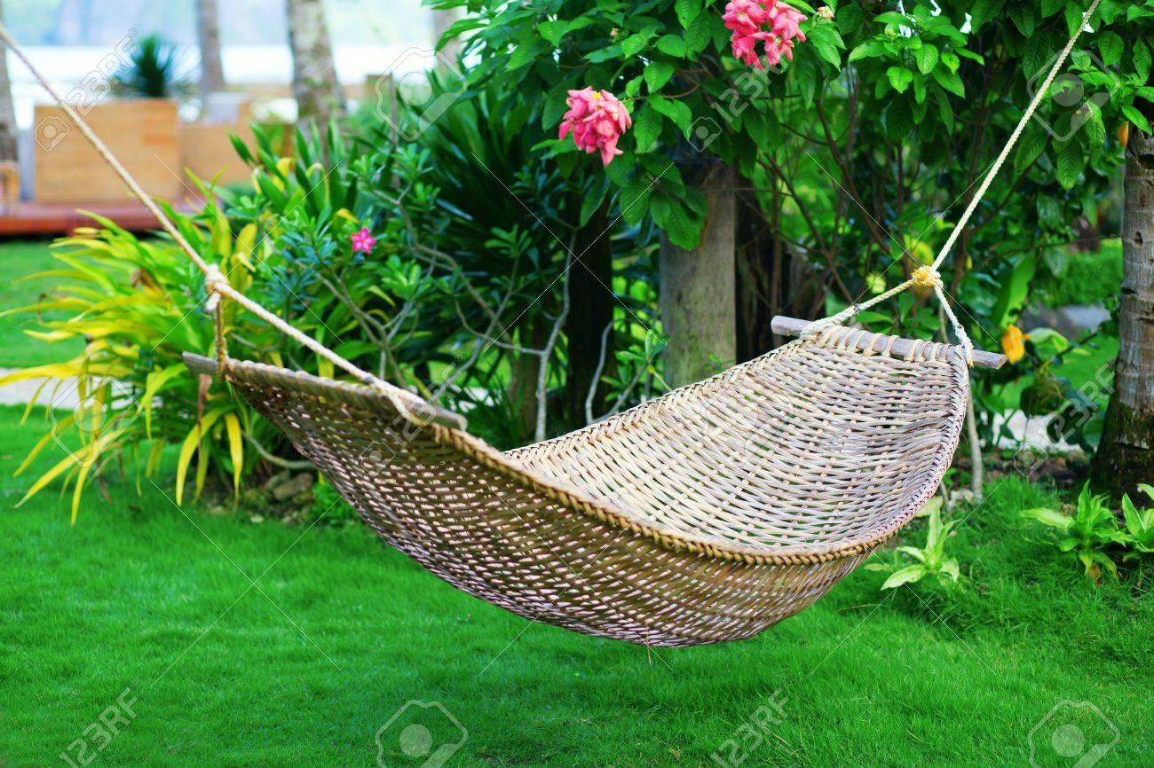 Hängematte In Einem Wunderschönen Tropischen Garten Lizenzfreie