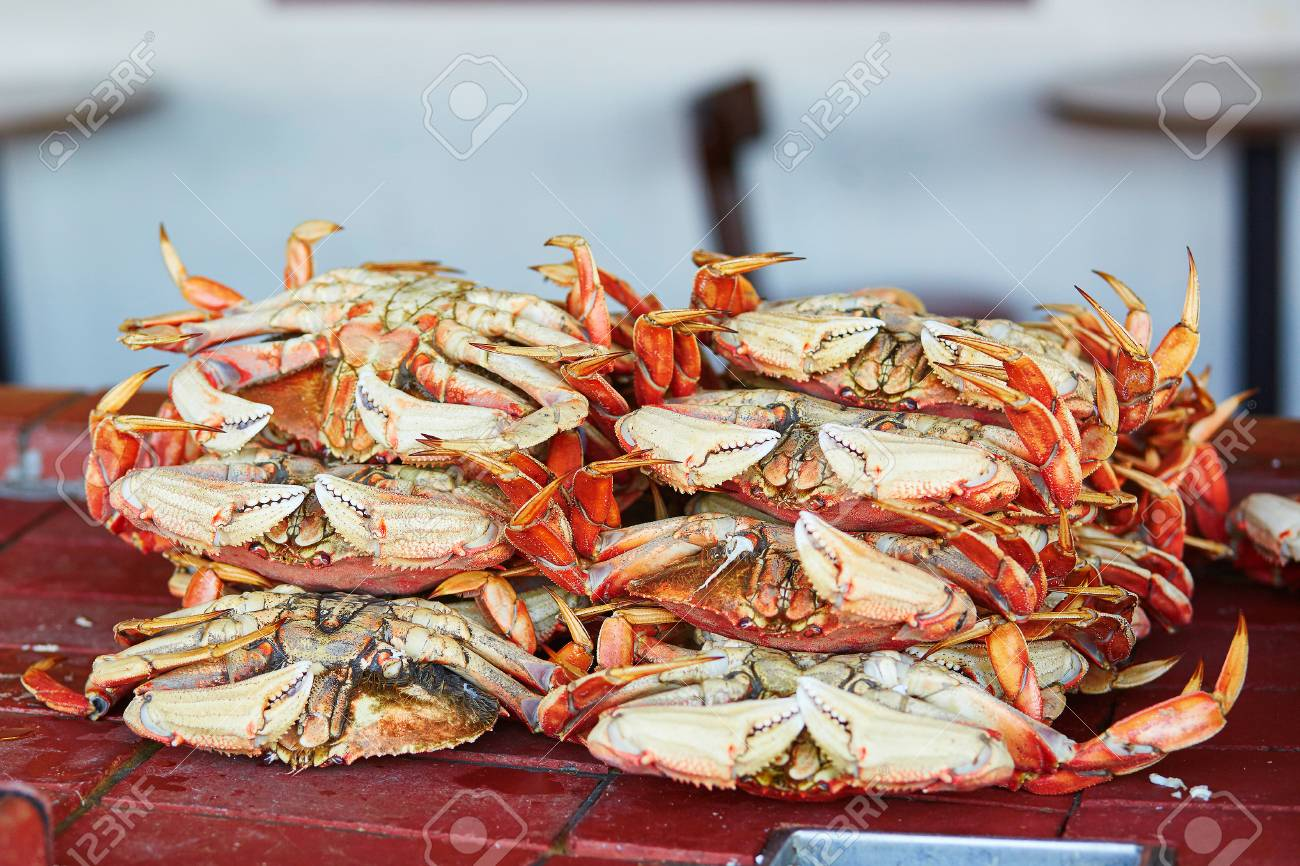 Fresh Crabs In One Of Seafood Restaurants At Fishermen Wharf