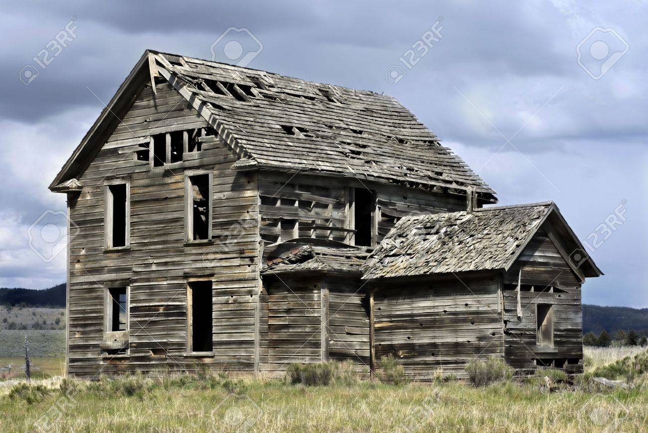 Abandoned 19th century house Stock Photo - 7086260