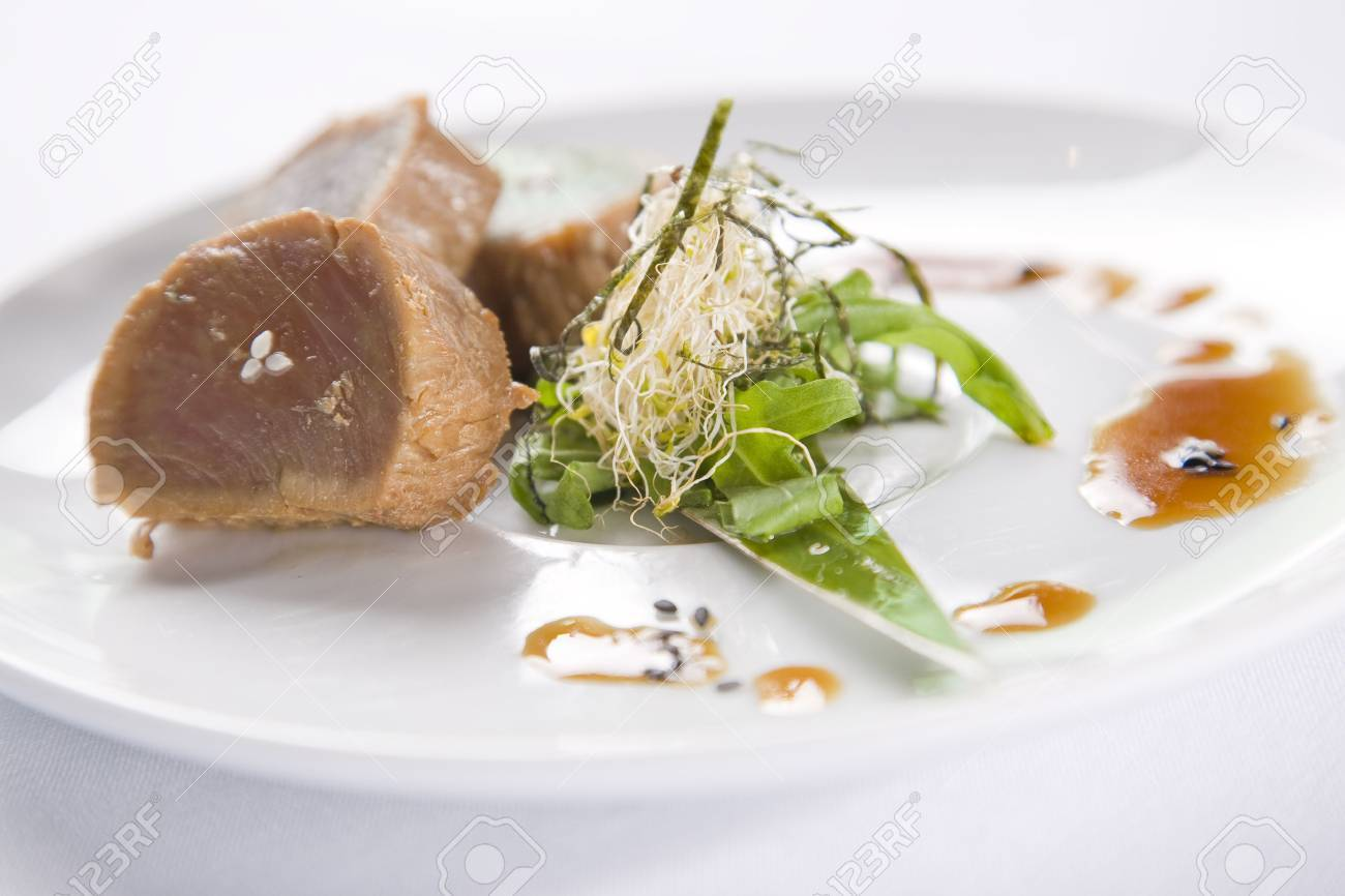 Seared Tuna Stock Photo - 6132894