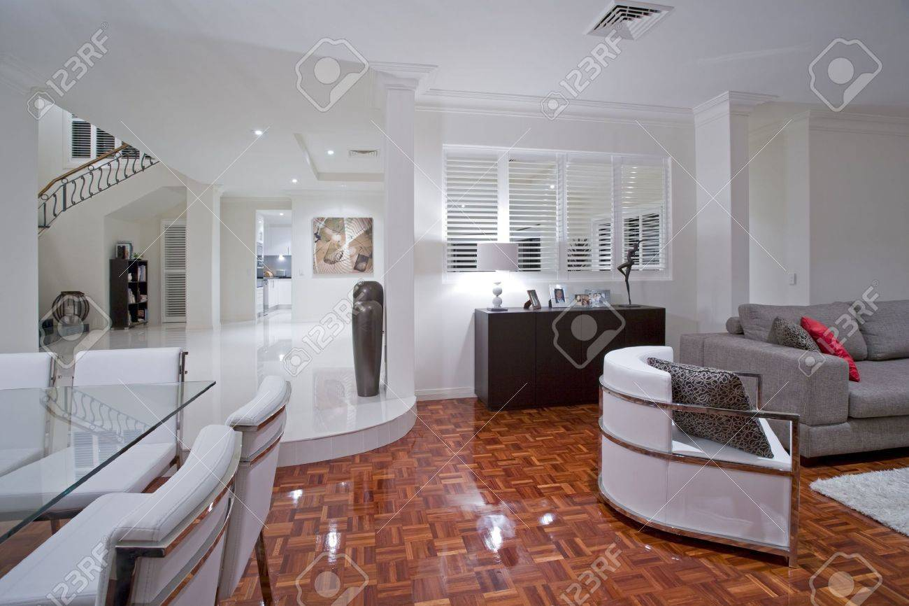Luxurious living room with wooden flooring Stock Photo - 6151931