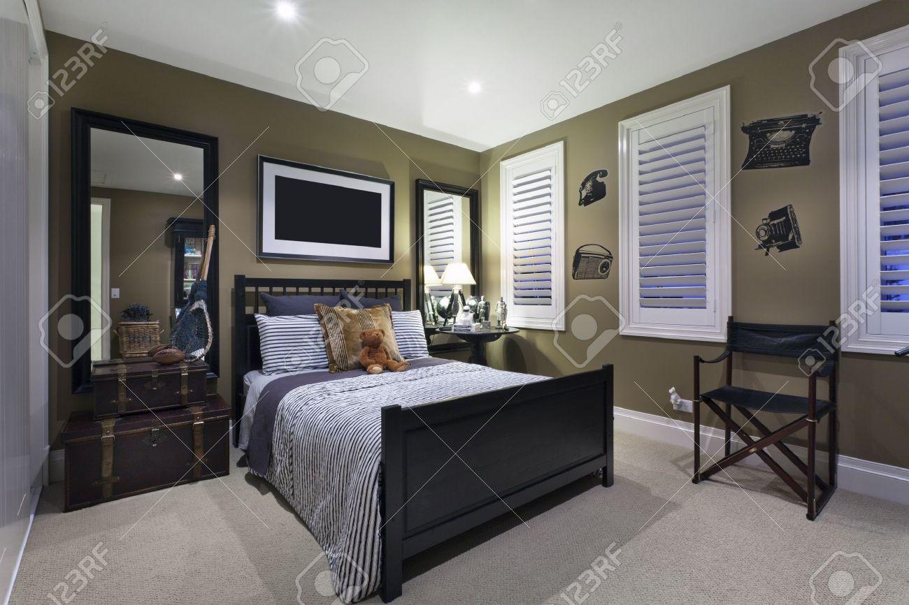 Stijlvolle slaapkamer met een elegante inrichting royalty vrije ...