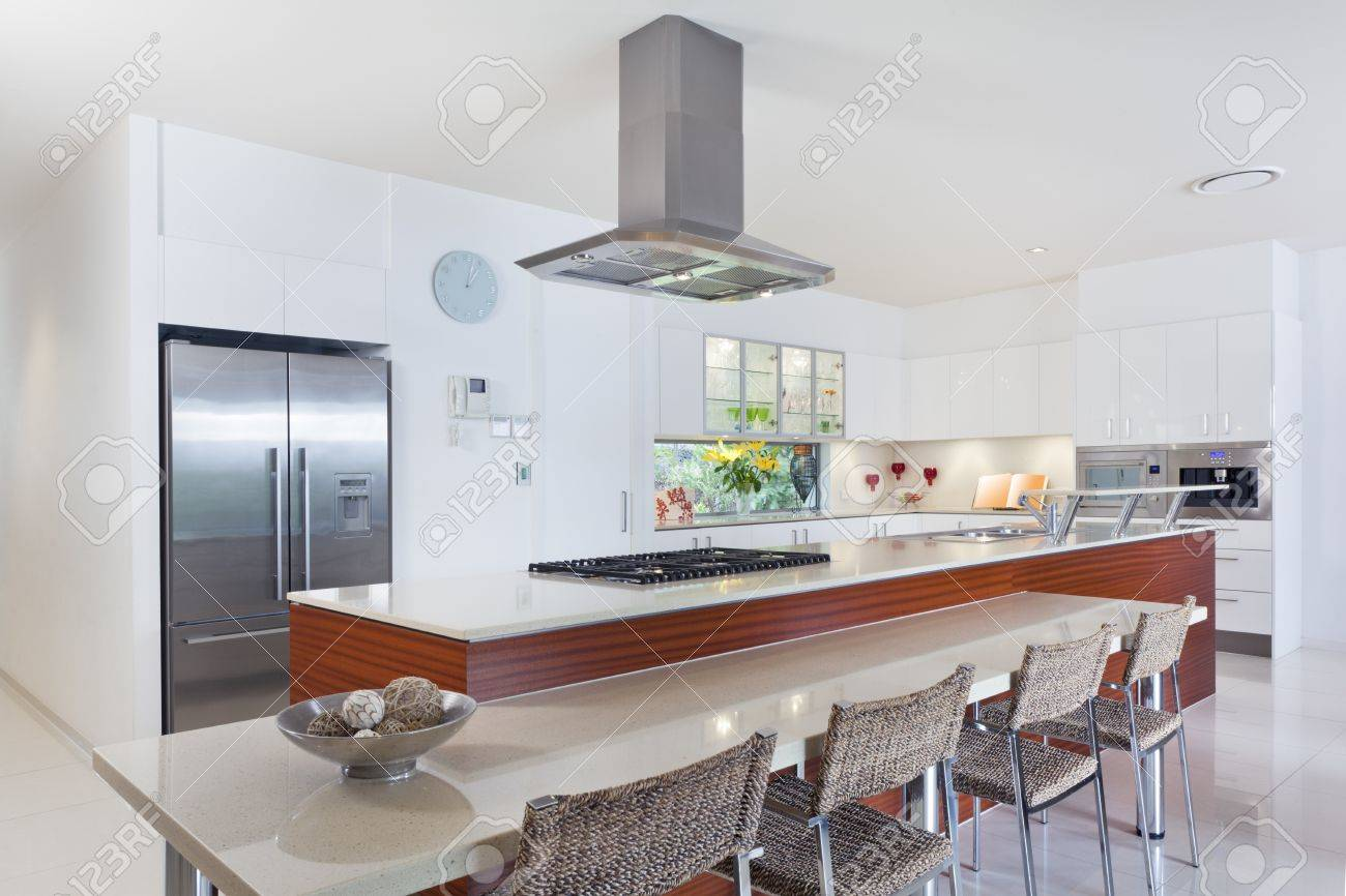 Modern kitchen with stainless steel appliances in Australian mansion Stock Photo - 15616606
