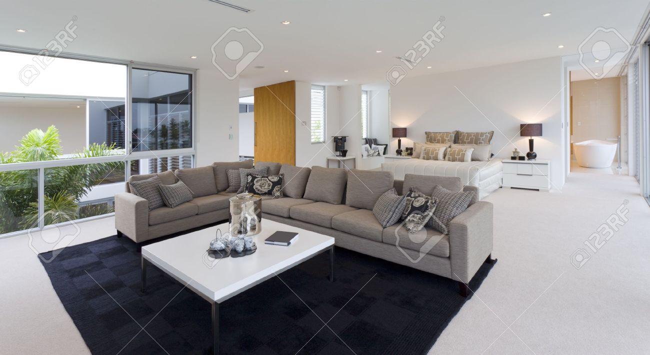 camera da letto di lusso con soggiorno in villa australiana foto ... - Soggiorno Camera Da Letto