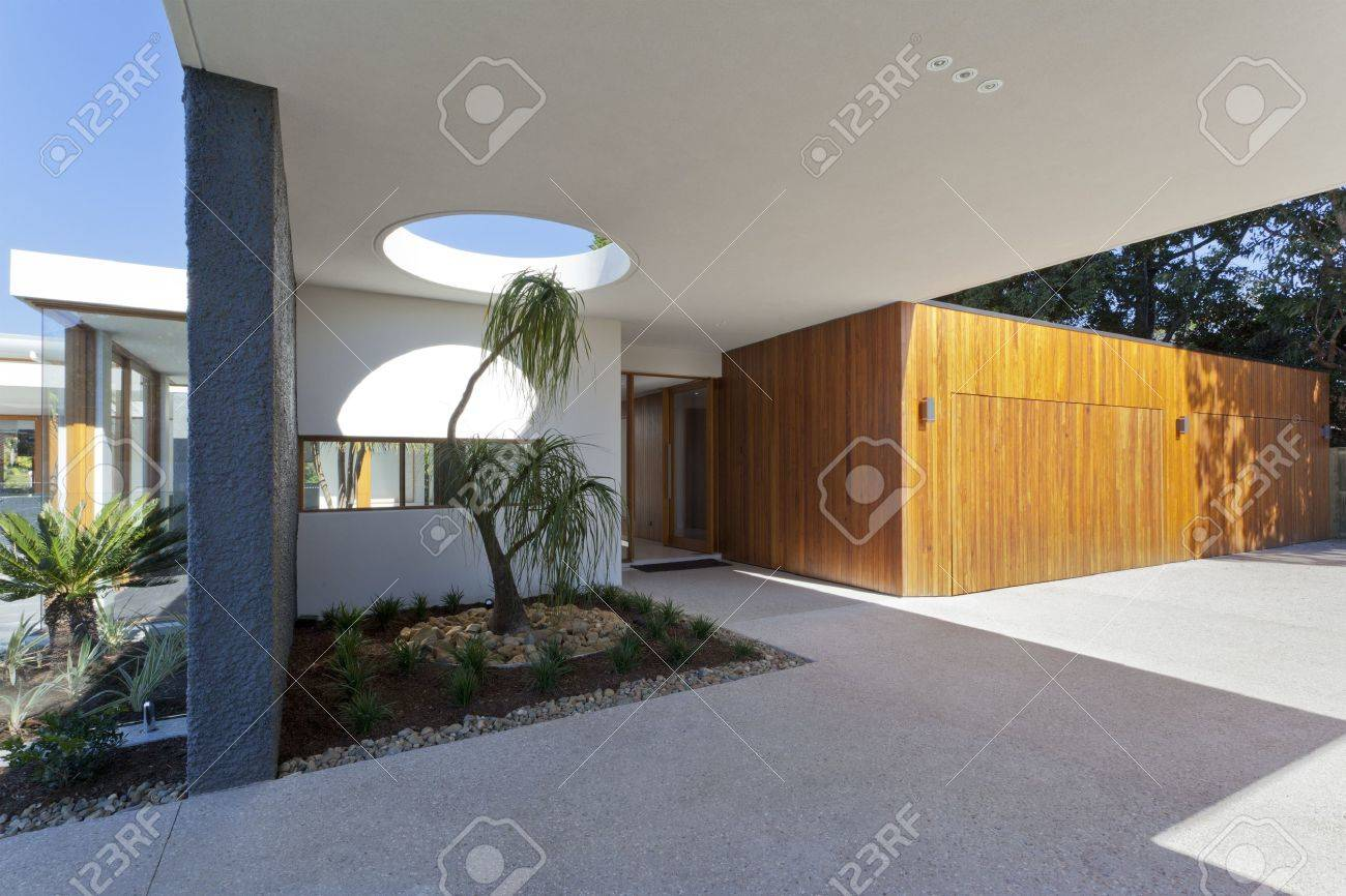 Modern ustralian House Front nd ntrance Stock Photo, Picture ... - ^