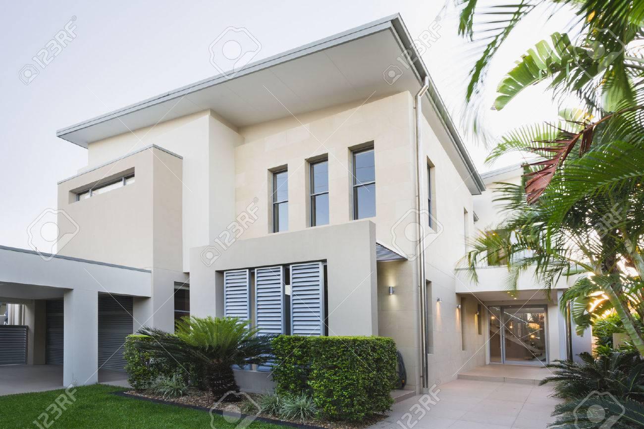 Modernes Haus Außen An Der Gold Coast, Queensland, Australien ...