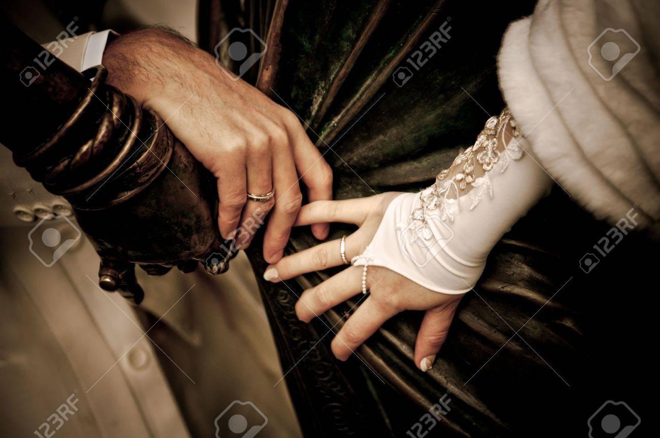 Mains de mariage  Banque d'images - 6351850