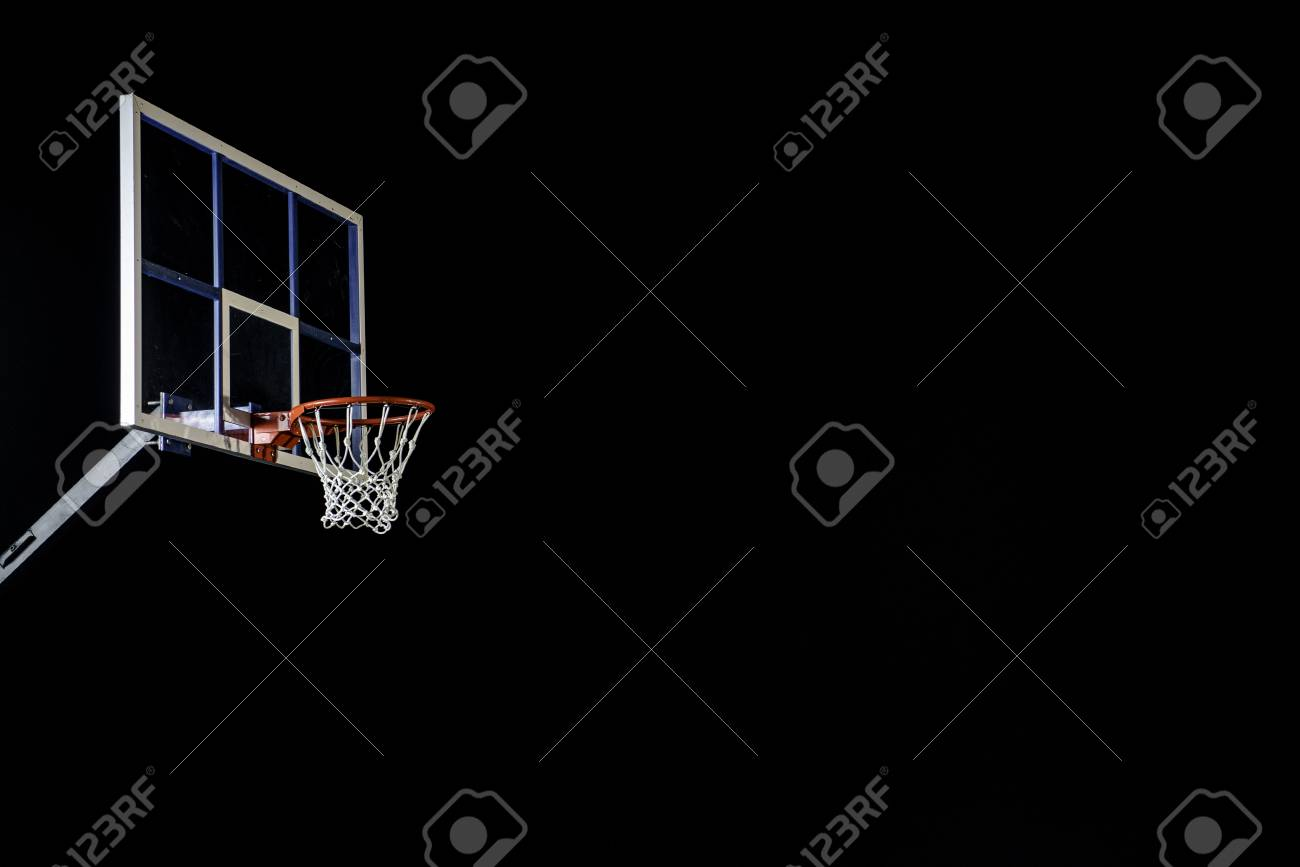 Red basketball hoop isolated on black. Basketball ring. With copy space. Banque d'images - 78976652