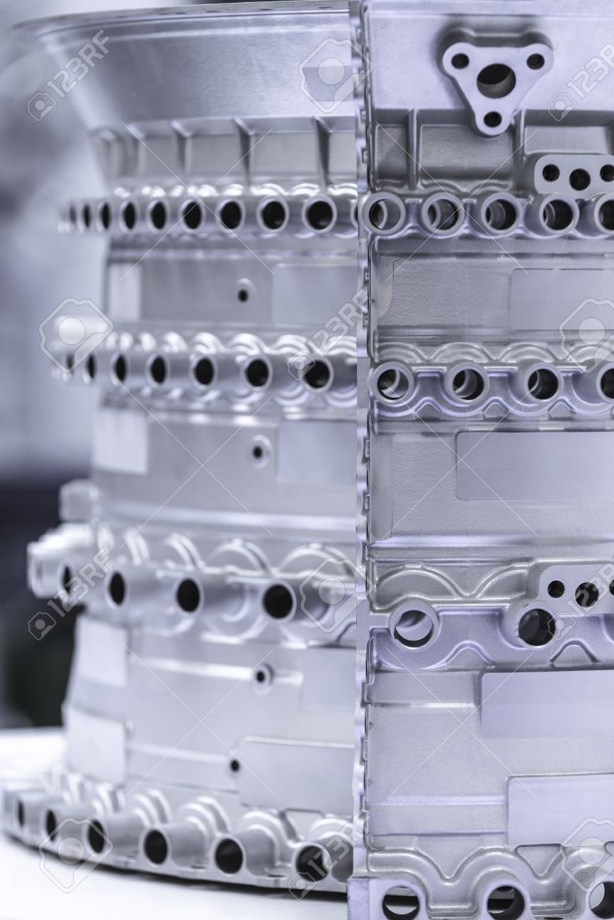 Close up of airplane engine components during maintenance. Banque d'images - 81101233
