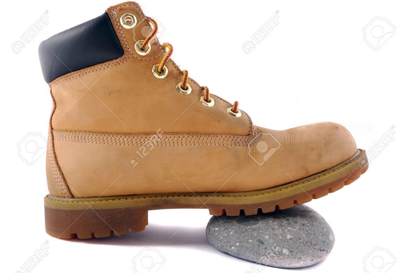 wholesale dealer b302f e72ea Un paio di scarpe da montagna isolato su sfondo bianco. Profondità di campo
