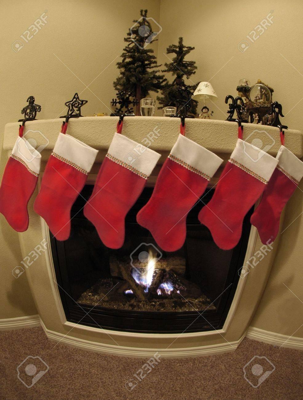 Front Zimmer Dekoriert Für Weihnachten Mit Weihnachten Strümpfe Und ...
