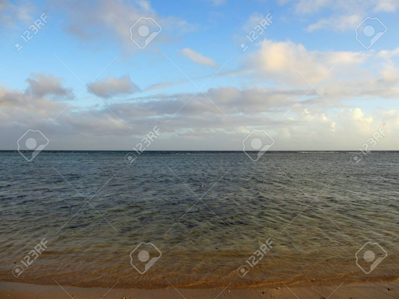 Calm water of the paciifc ocean on the shore of Kahala Beach of Oahu, Hawaii Stock Photo - 18153361