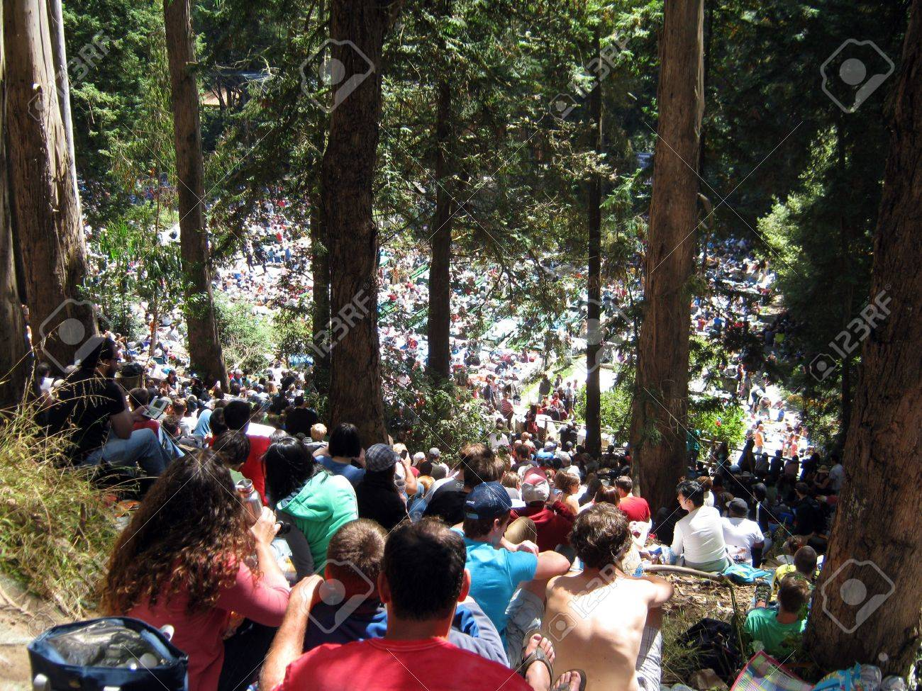 SAN FRANCISCO - AUGUST 22: 73rd Stern Grove Festival: Crowd of people watch show from up in woods at outdoor concert. August 22, 2010 in San Francisco CA. Stock Photo - 18306250