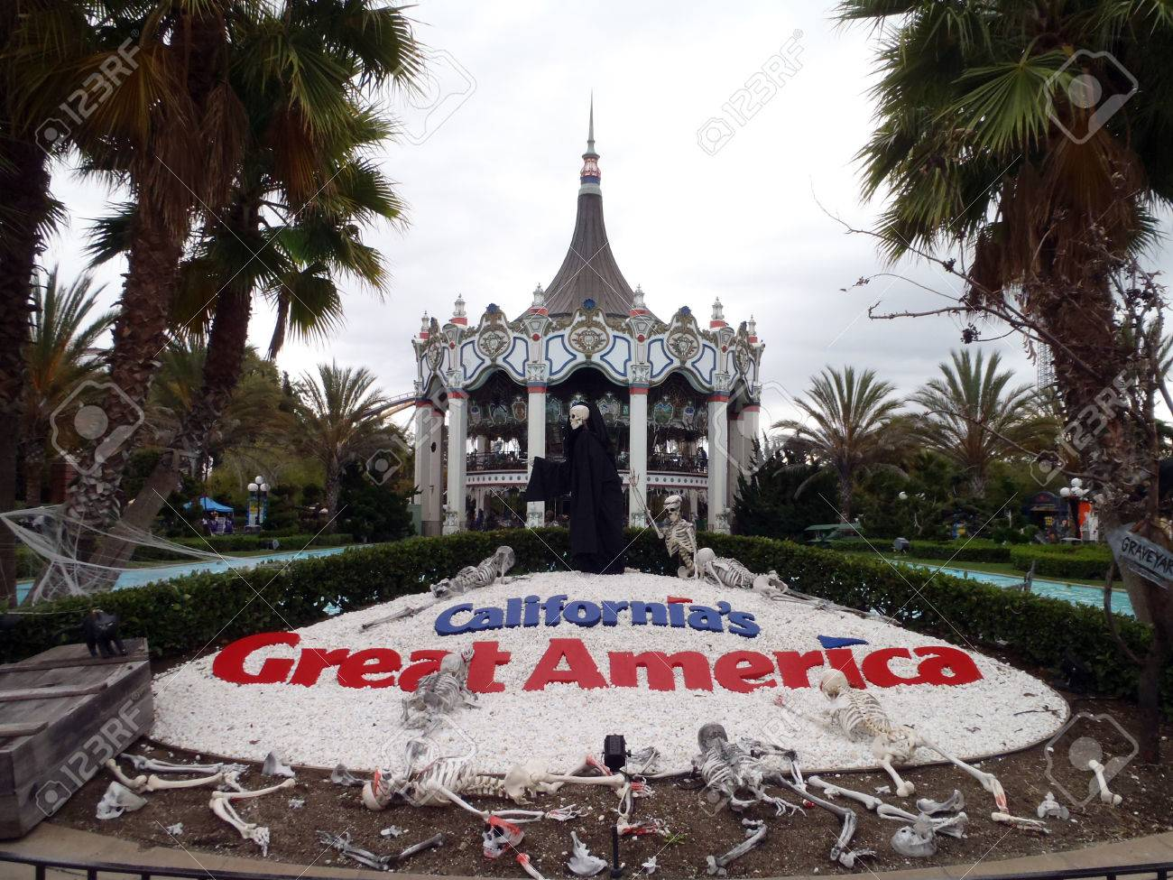 santa clara - august 7:california's great america halloween theme
