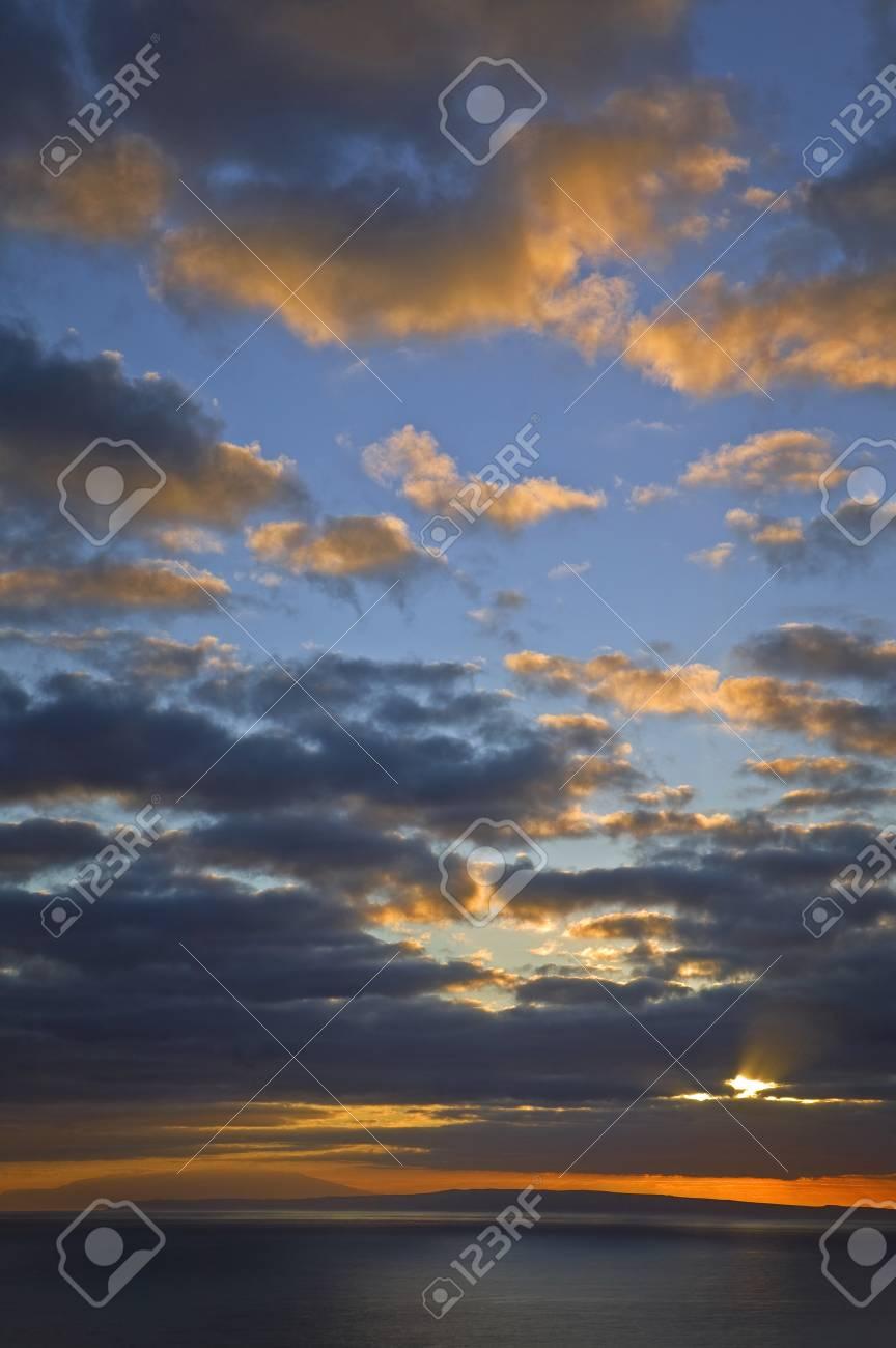 Sunrise @ Makapuu Lighthouse, Oahu Stock Photo - 7056625