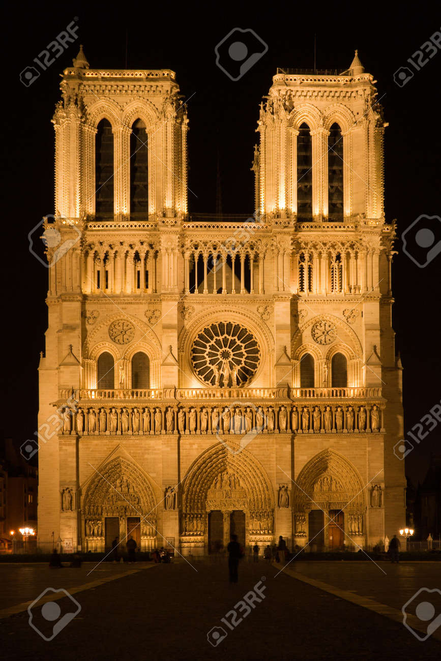 Notre-Dame cathedral by night - Paris, France Stock Photo - 522961