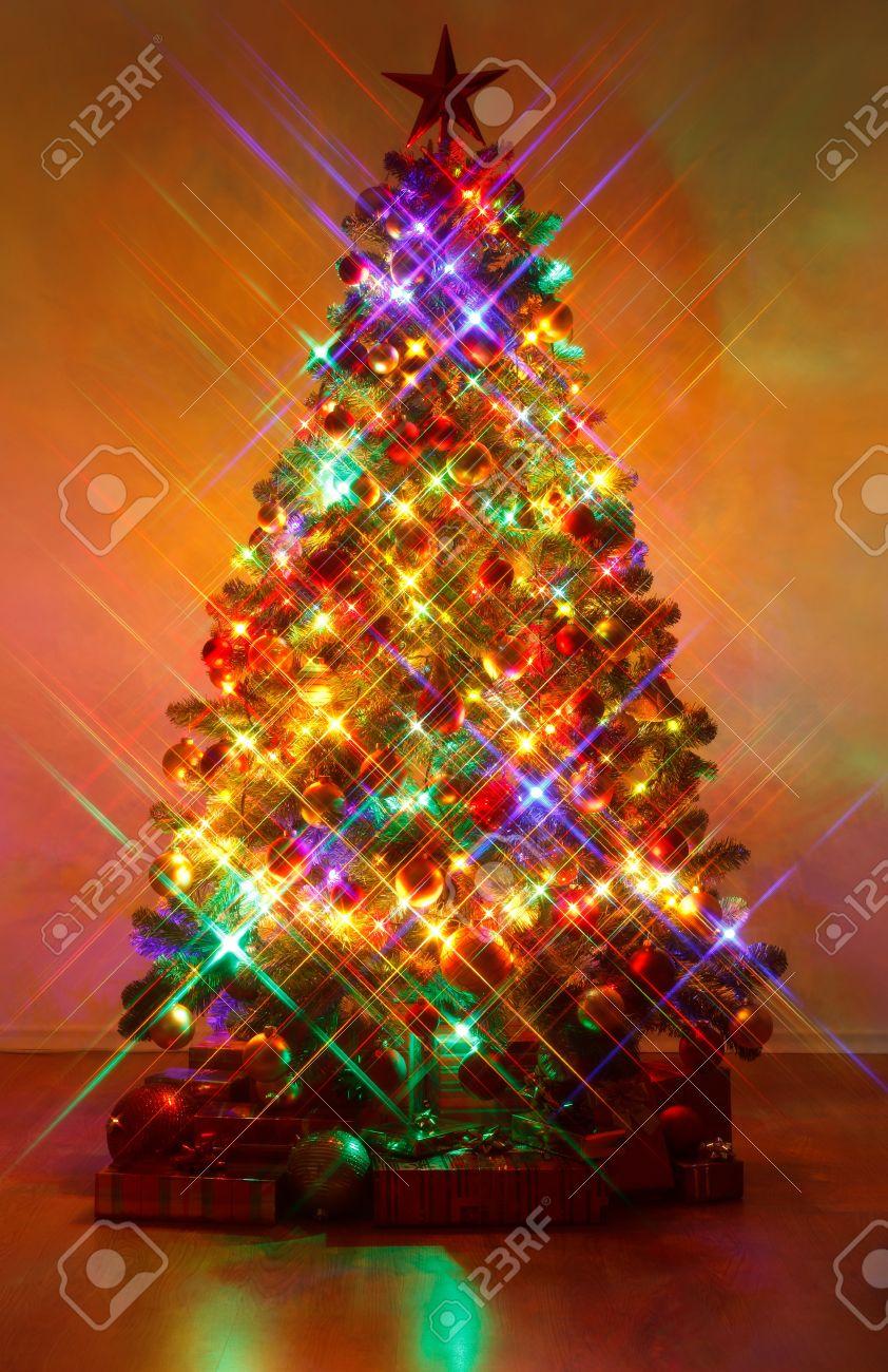 Weihnachtsbaum Im Dunkeln, Mit Kreuz Siebfilter Erschossen, Was Zu ...