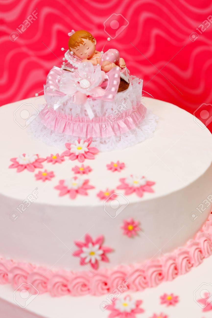 Nahaufnahme Der Weissen Taufe Kuchen Fur Madchen Mit Topper Und Pink
