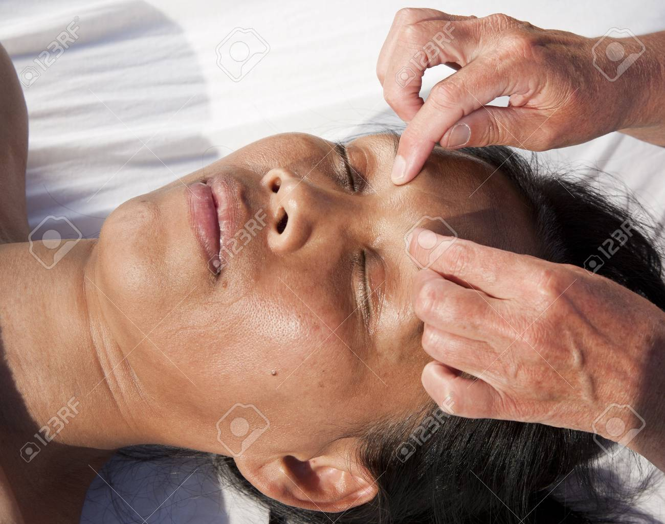 Japanese facial massage Stock Photo - 15743028