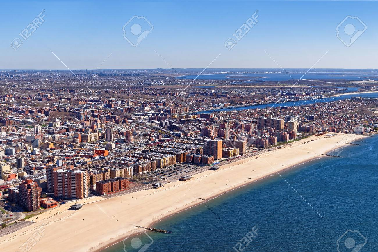 Aerial view of Long Island in New York, USA. It is the westernmost residential and commercial neighborhood of the New York City borough of Queens. - 47240569