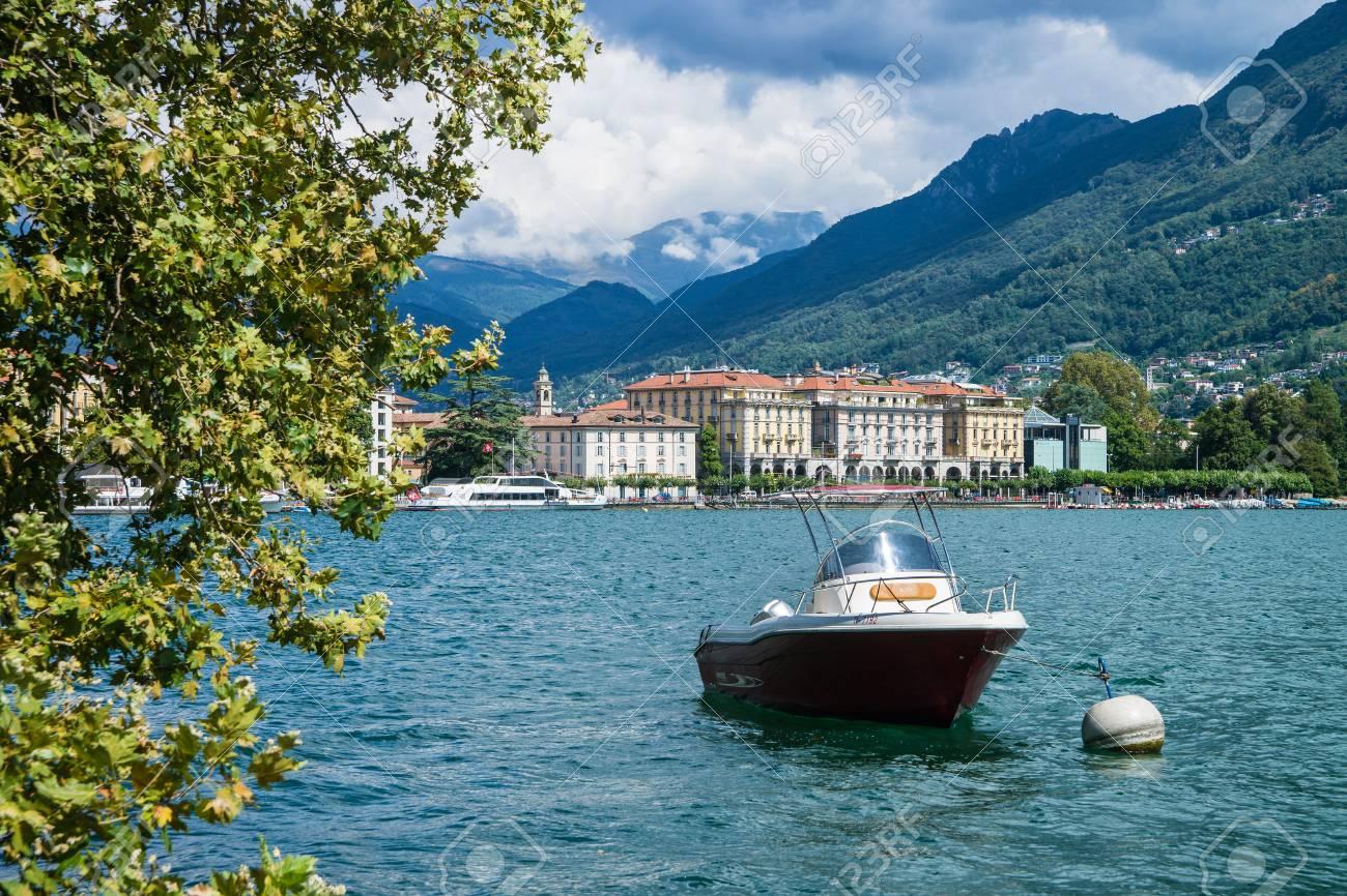 Immagini Stock - Lugano, Svizzera - 26 Agosto 2013: Imbarcazione A ...