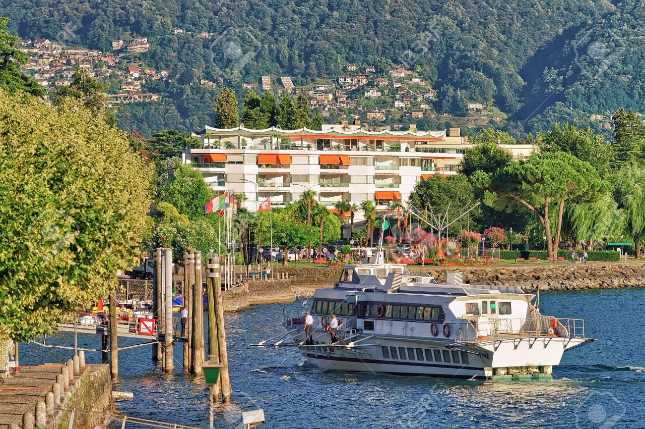 Immagini Stock - Ascona, Svizzera - 23 Agosto 2016: Nave Passeggeri ...