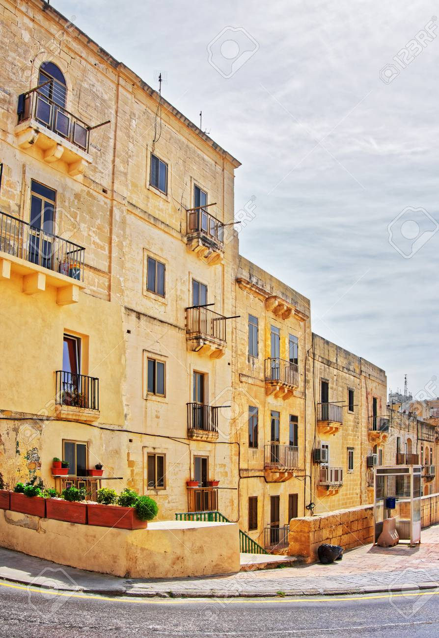 street with traditional houses in the old city center valletta rh 123rf com
