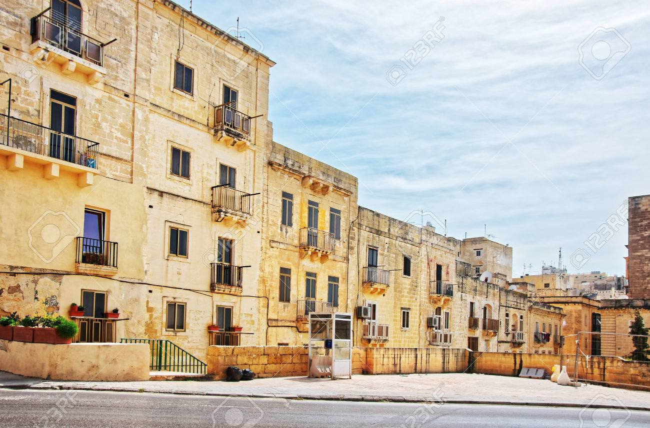 street with traditional houses at the old city center valletta rh 123rf com