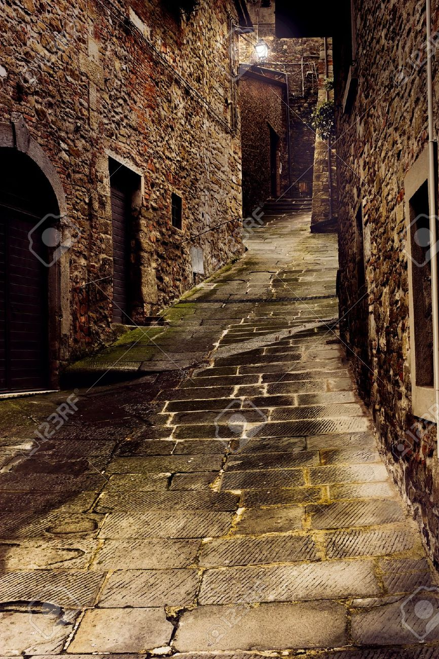 tuscan dark alley at night, dirty corner of street in the old village Stock Photo - 8363939
