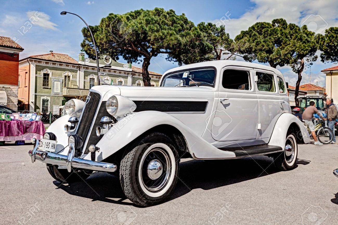 Old American Car Studebaker President (1935) At Rally For Classic ...