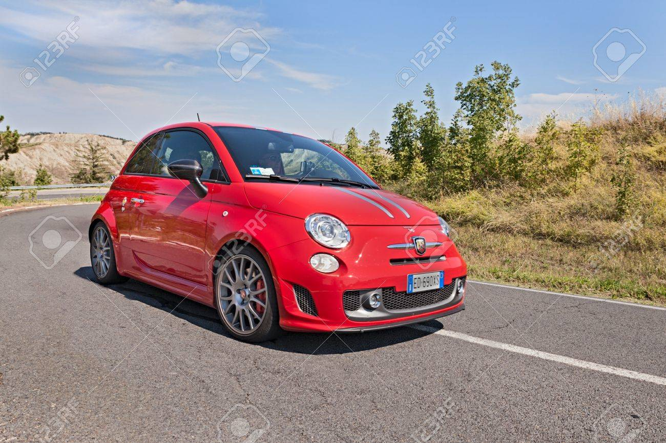 Abarth 695 Tributo Ferrari A Small Sports Car Derived From Fiat