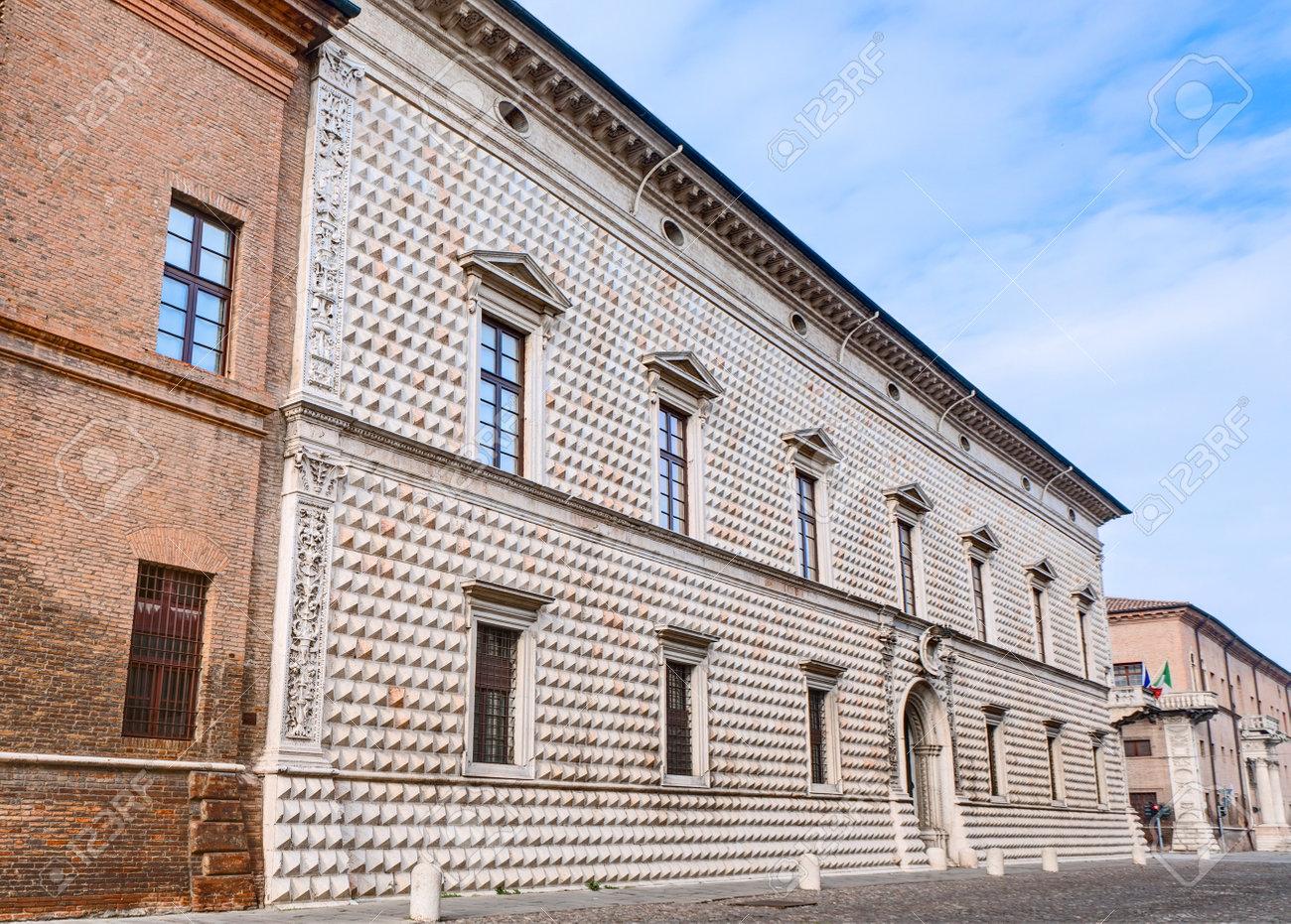 Architetti Famosi Antichi palazzo dei diamanti (diamanti palazzo) a ferrara, uno dei più famosi  palazzi antichi in italia e uno degli esempi più influenti del rinascimento