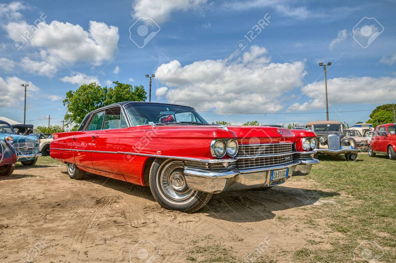 """vintage american car Cadillac Series 6200 of the sixties in classic car s rally """"Raduno auto e moto d'epoca"""" on May 2, 2015 in Pieve Cesato, Faenza, RA, Italy - 42129623"""
