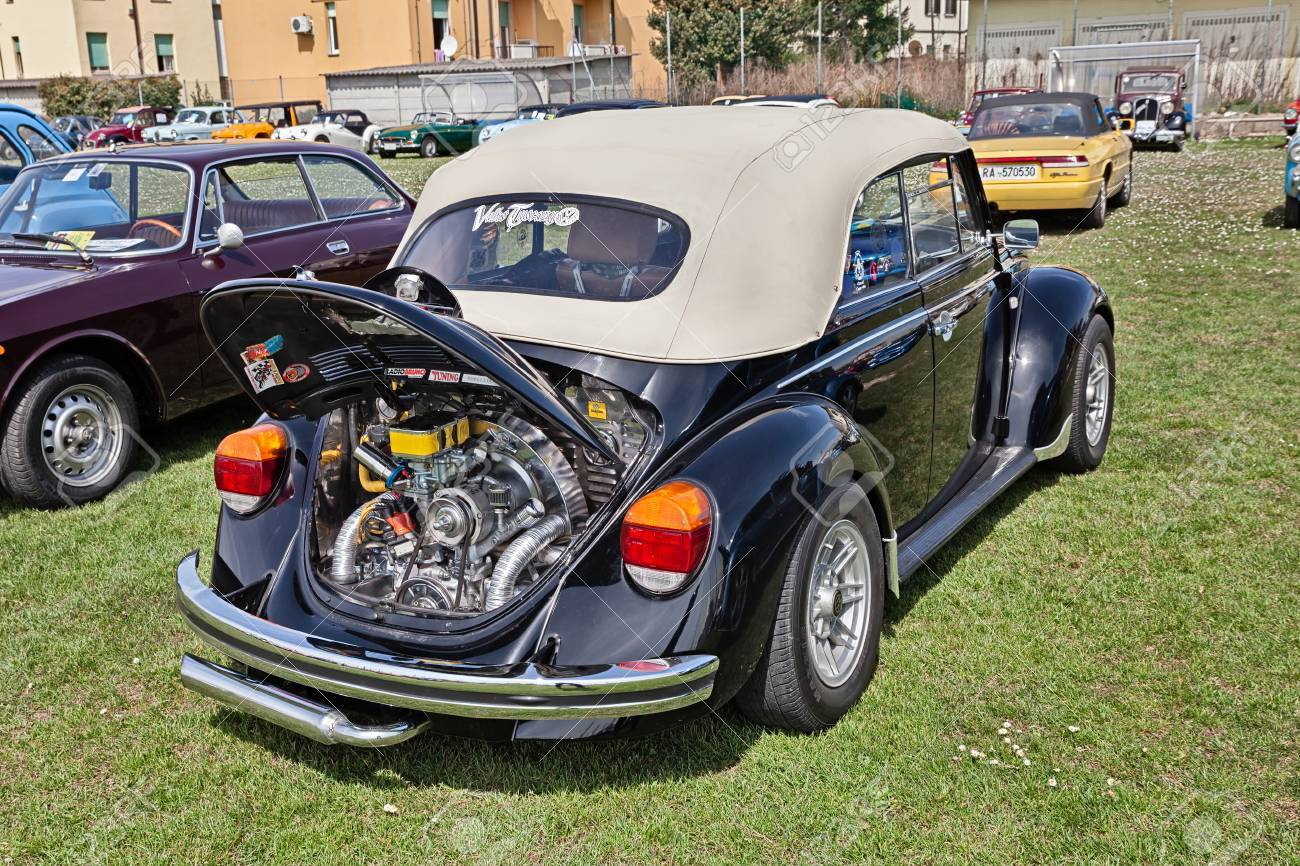 Vintage Volkswagen Type 1 (Beetle) With Tuned Chromed Engine ...