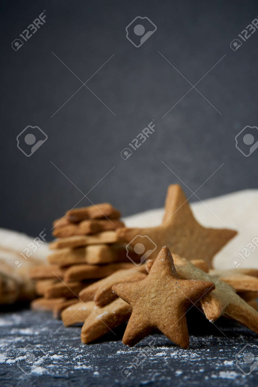 Gingerbread cookies with star shape - 151936598