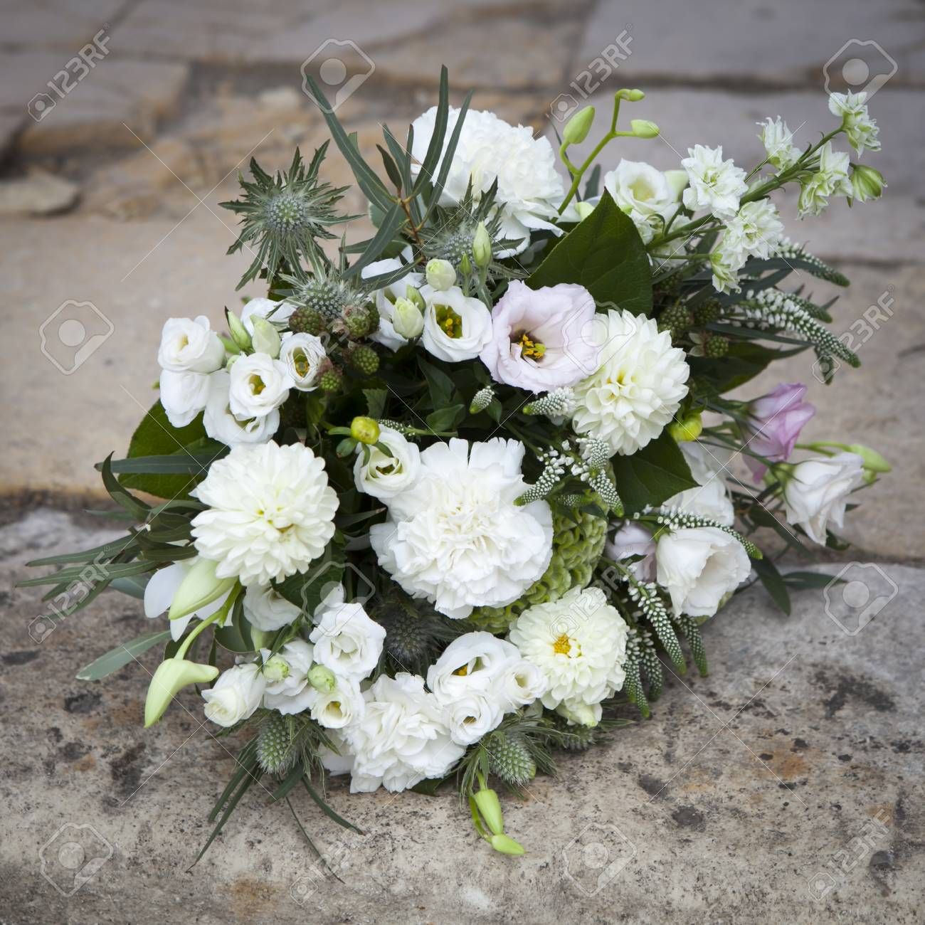 Bouquet Sposa Lisianthus.Wedding Bouquet In White Tones Of Lisianthus Roses Dahlias