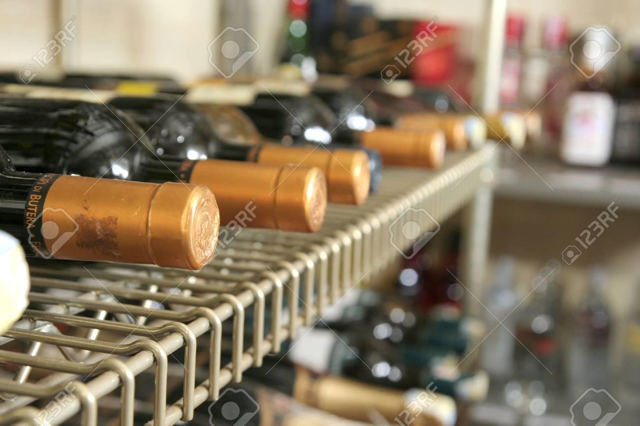 Wein-und Getränke-Shop Lizenzfreie Fotos, Bilder Und Stock ...