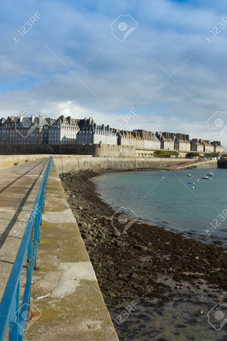 castle walls of Saint Malo old town over sea as viewed from pier Stock Photo - 16817148