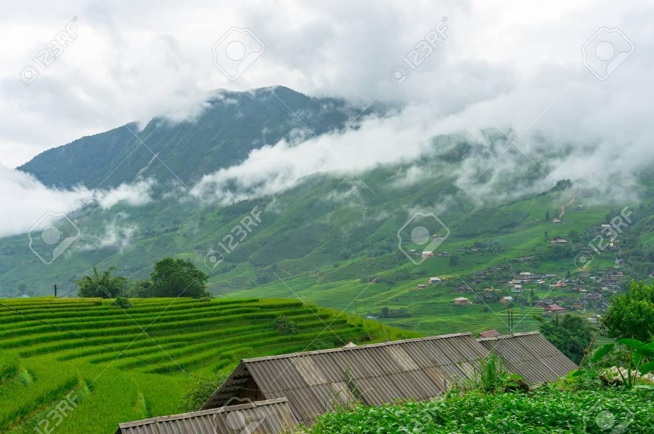 Paisaje Rural Vietnamita De Terrazas De Arroz Y Techos De Casas De Pueblo En Las Montañas Sapa Vietnam