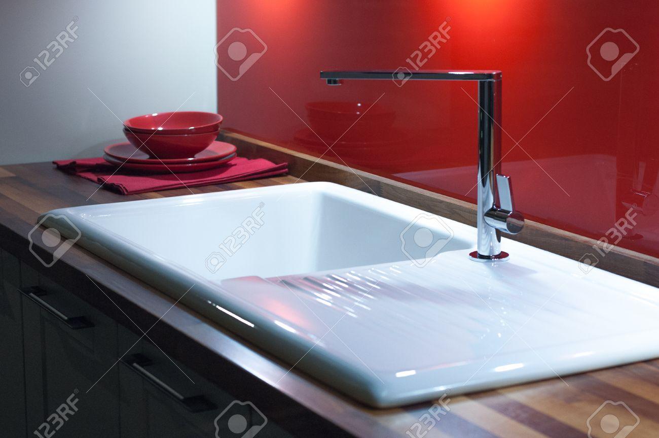 White Enamel Kitchen Sinks Modern Stylish Kitchen With Wooden Counter White Enamel Sink