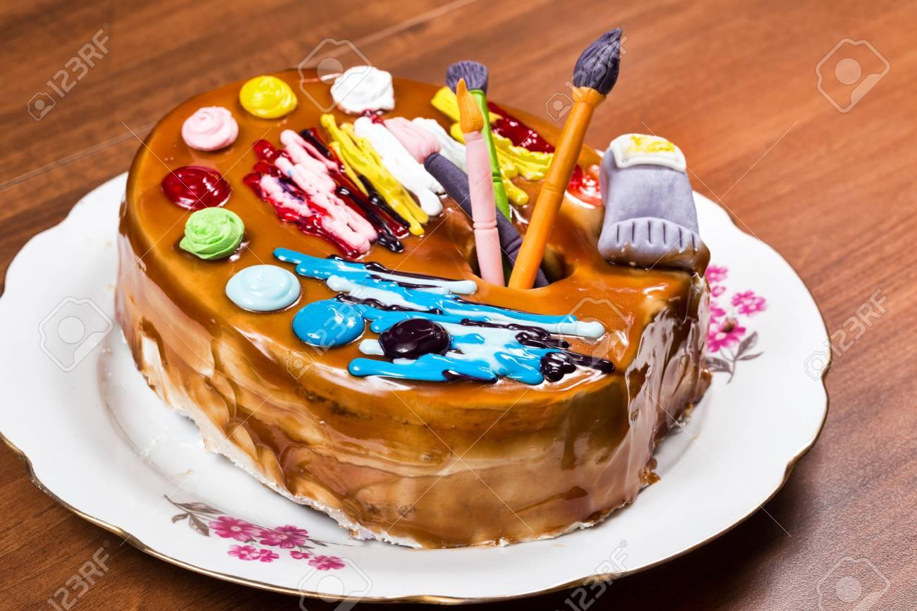 Gâteau Danniversaire Sous La Forme Dune Palette De Peinture Aux