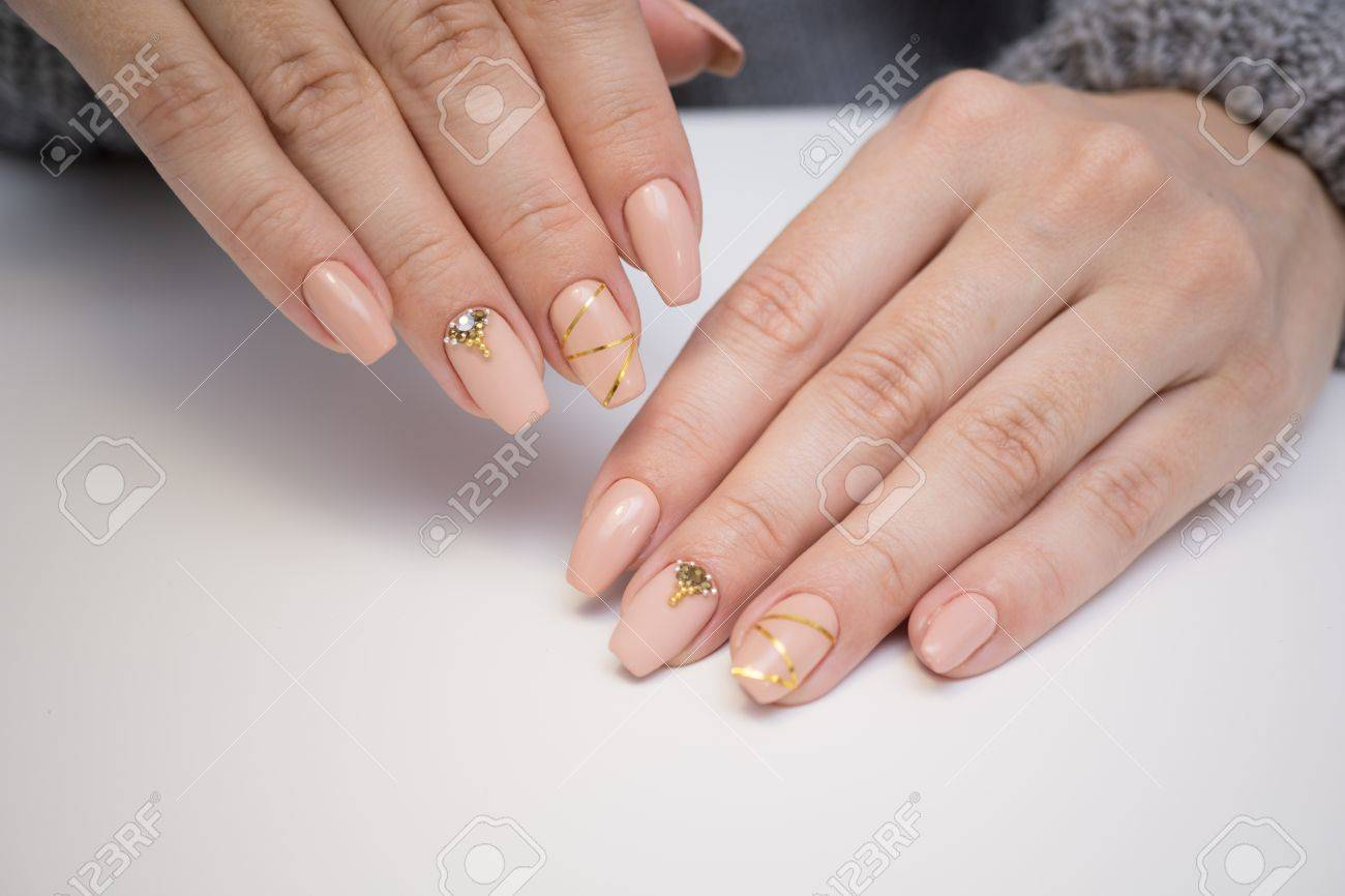 Natural Nails, Gel Polish. Perfect Clean Manicure With Zero Cuticle ...